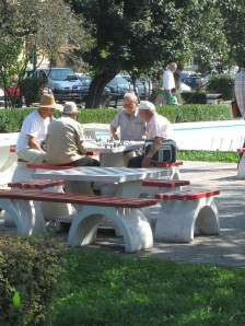 Chess players in Brasov central gardens