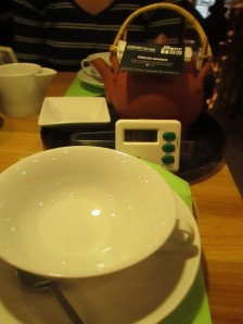 Tea and timer at Jaeger Tee in Vienna