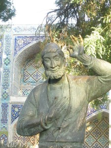 Wise Fool statue in Bukhara