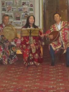 Zaraoastrian singers in Bukhara